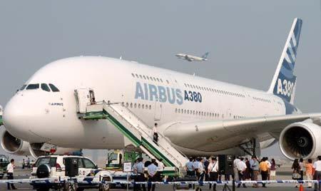 Airbus сокращает производство самого большого самолета в мире