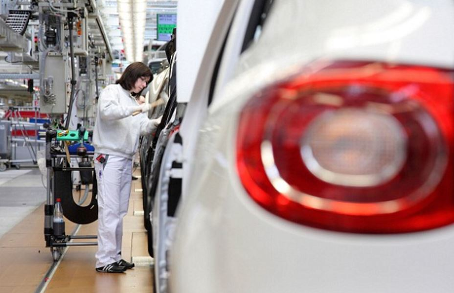Сразу два крупных поставщика прекратили поставки комплектующих для Volkswagen