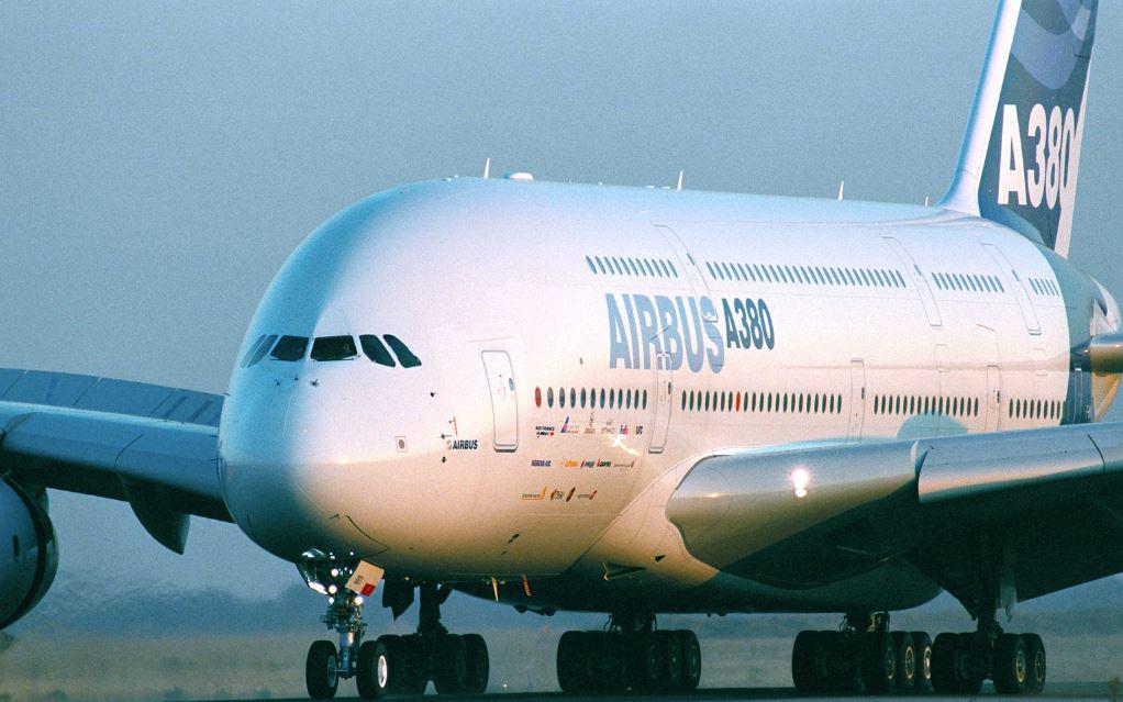 Чистая прибыль Airbus сократилась в полтора раза из-за проблем с A350