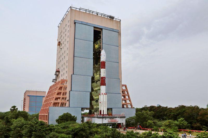 Индия делает попытку установить новый мировой рекорд: запустить одновременно 103 спутника