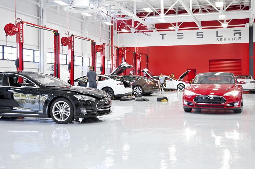 Tesla задействует мобильные станции обслуживания автомобилей