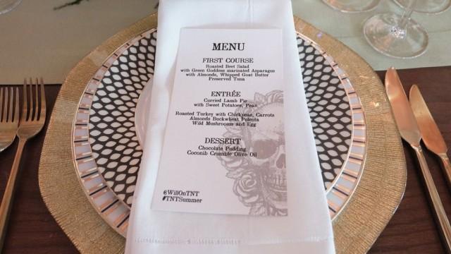 Хитрости ресторанных меню: как нас заставляют заказывать
