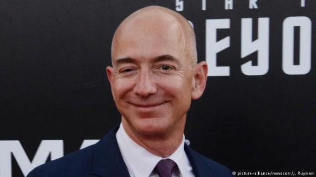 Состояние основателя Amazon превысили 100000000 000 долларов