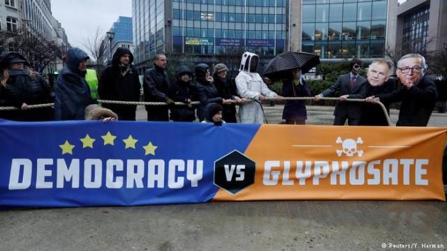 В ЕС продлили разрешение на использование гербицида глифосата