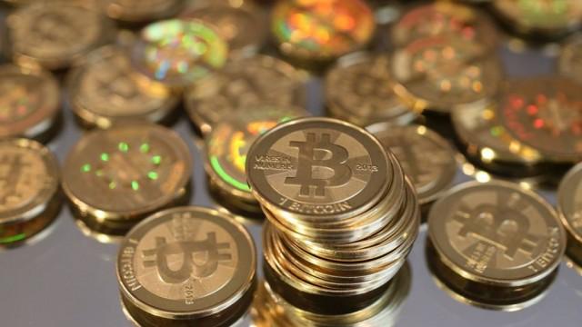 Bitcoin пересек рубеж в $ 10000