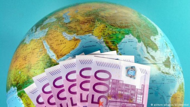 """В ЕС утвердили черный список """"налоговых гаваней"""""""