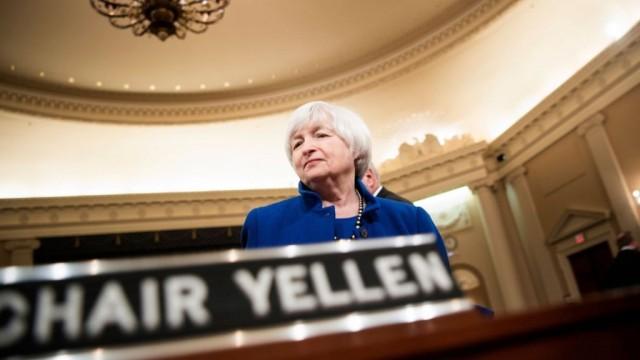 Федеральный резерв США в третий раз за год поднял учетную ставку