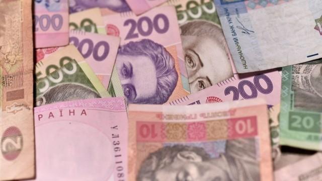 В правительстве назвали зарплаты, которые остановят трудовую эмиграцию в Польшу