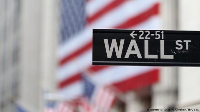 Индекс Dow Jones впервые преодолел отметку в 25000 пунктов