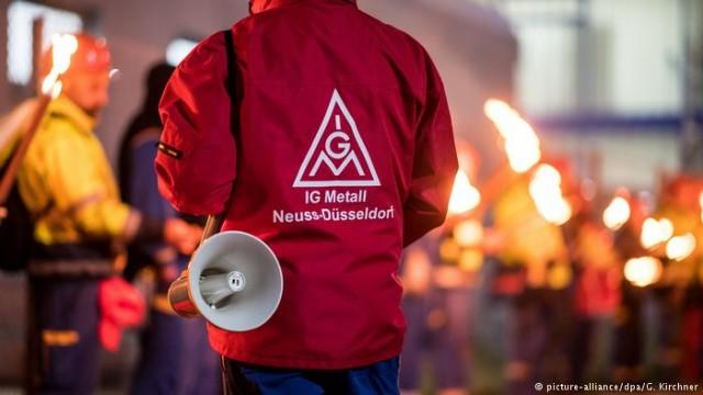 В ФРГ крупнейший профсоюз расширила предупредительную забастовку