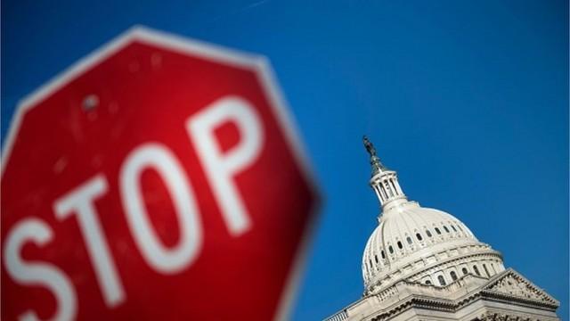 Сенат США соберется в воскресенье, чтобы восстановить работу правительства