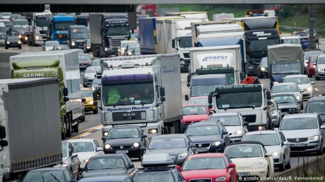 Автобаны Германии: тысячи километров пробок