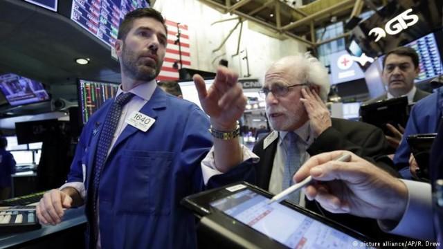 Второй подряд обвал на Уолл-стрит: рынки Азии нервничают