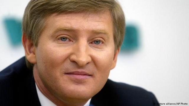 """Ахметову угрожают отобрать почти половину акций """"СКМ"""" за долги"""