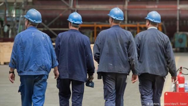 В ФРГ все больше людей работают на нескольких работах