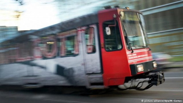 Общественный транспорт: как это работает в Германии (видео)