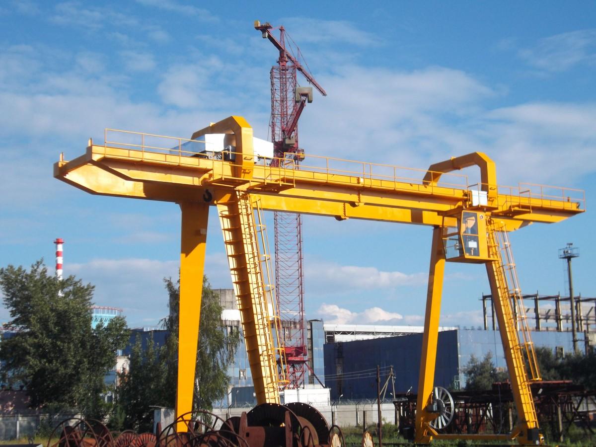 Изготовление козловых кранов для использования их на контейнерных терминалах с различным грузозахватным оборудованием