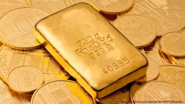 Золото дешевеет: паниковать или ждать? (Видео)