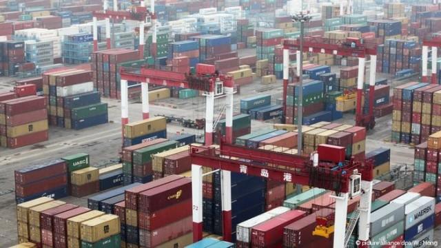 Китай вводит пошлины на американские товары на 16000000000 долларов