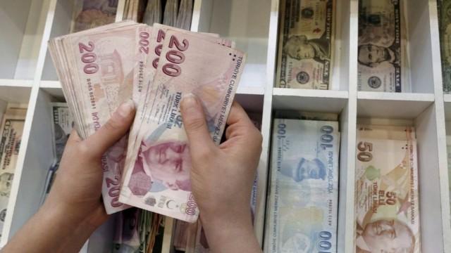 Как Турция пытается обуздать падение лиры