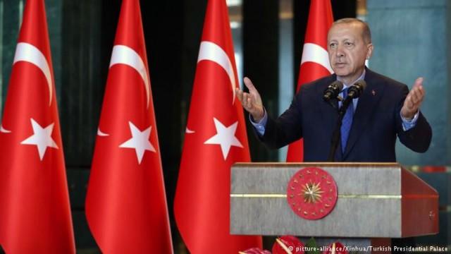 Или откажутся турки от iPhone ради Эрдогана? (Видео)