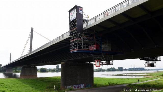 Ловушка для грузовиков на аварийных мостах в ФРГ (видео)