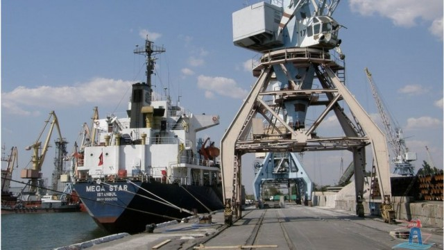 Напряжение на Азове: сколько недосчитались украинские порты