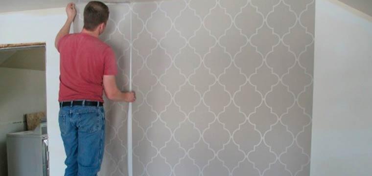 Как оклеить стены обоями если стены окрашены краской