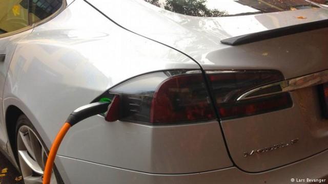 Норвежцы пересаживаются на электромобили: треть проданных новых авто - электрокары
