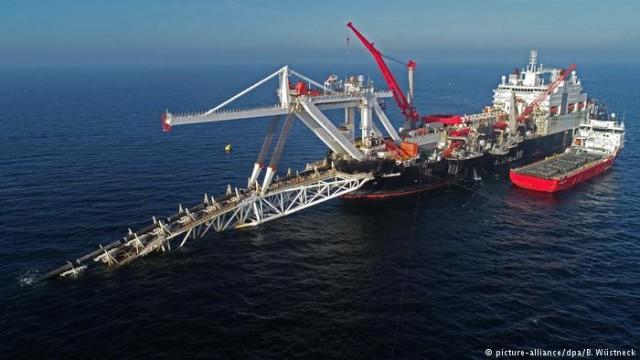 """Опрос: большинство немцев поддерживает строительство газопровода """"Северный поток-2"""""""