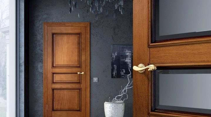 Современные двери из массива дерева
