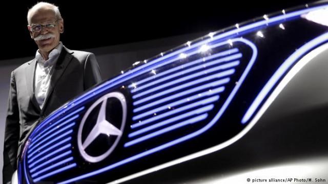 Немецкий автопроизводитель Daimler сократил прибыль на треть