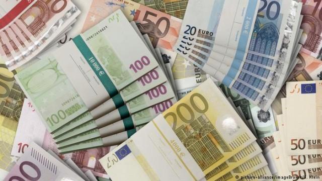 ФРГ завершила 2018 с рекордным профицитом бюджета в 58000000000 евро