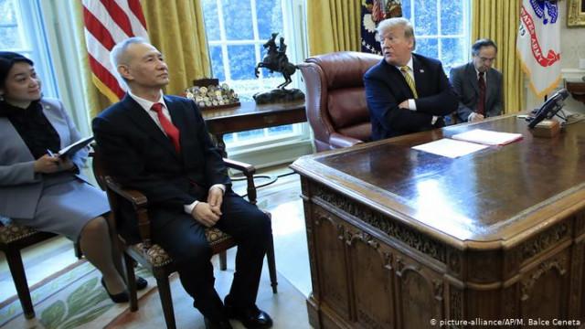 Угроза Трампа о повышении таможенных тарифов обрушил китайские биржи