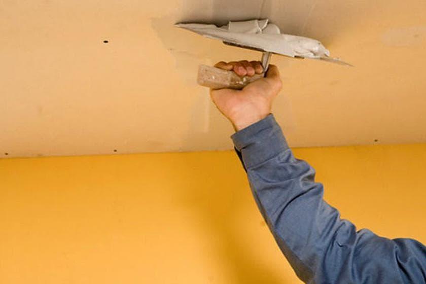 Выравнивание потолка строительными смесями