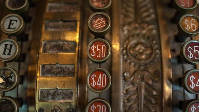 Откуда происходит символ доллара