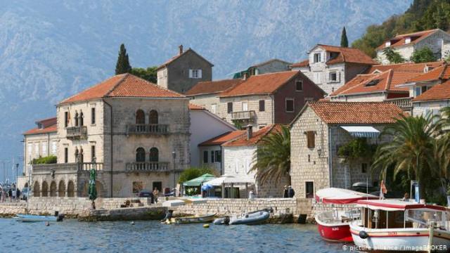 Черногория должен выбирать между туристами и окружающей средой? (Видео)