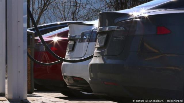 Действительно электромобили безопасные для окружающей среды? Фактчек DW (видео)