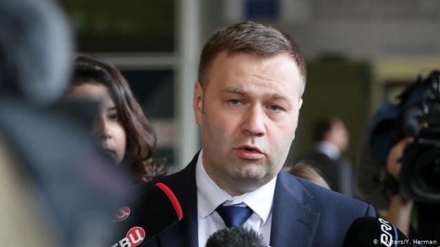 """Министр энергетики обещает """"исторически низкую"""" цену на газ при условии контракта с """"Газпромом"""""""