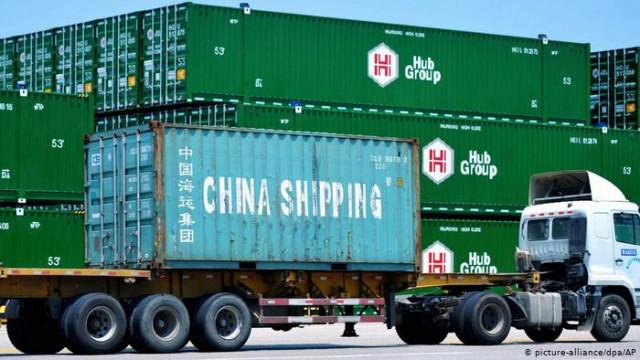 """США и Китай договорились о """"первую фазу"""" торговой сделки"""