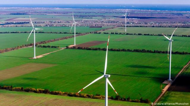 """В Германии рекорд """"зеленого"""" тока, но энергия ветра """"пробуксовывает"""" (видео)"""