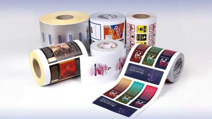 Особенности печати этикеток: достоинства и минусы, польза в рекламе и тонкости применения