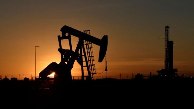 Нефть и рубль резко упали