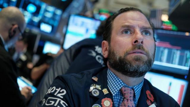 """""""Черный понедельник"""": мировые биржи упали, в Нью-Йорке останавливали торги"""