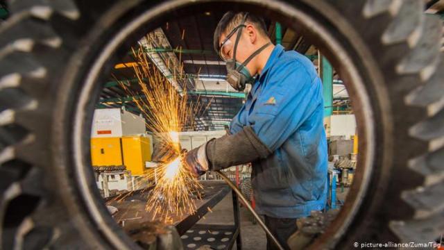 Коронавирус вызвал рекордный обвал экономики Китая