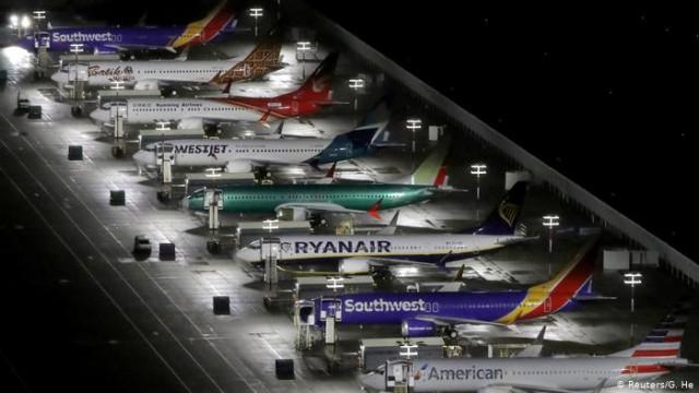 Авиакомпании резко сокращают графики перелетов