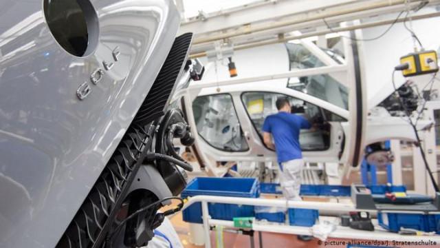 Через коронавирус Volkswagen приостанавливает производство в Европе