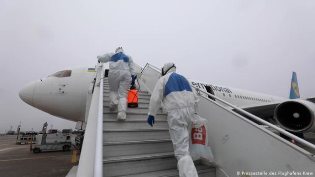 """Коронавирус и """"Борисполь"""": что происходит в аэропорту (видео)"""