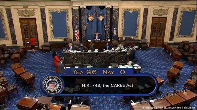 Коронавирус: Сенат США одобрил пакет финансовой помощи в 22 триллиона долларов
