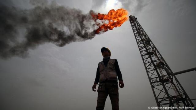 Страны ОПЕК + договорились об историческом сокращение добычи нефти